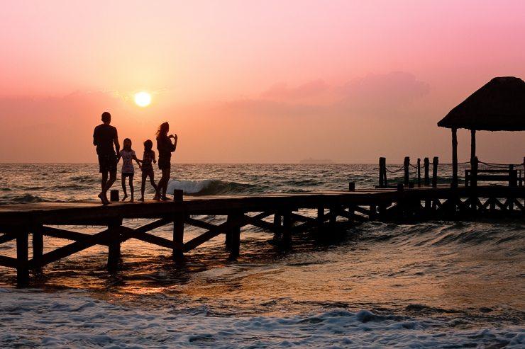 beach-children-family-39691